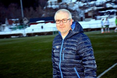 Håvard Angen Haarstadstrand har fulgt flatangerfotballen i en mannsalder. Nå sier han at breddefotball-hjerte blør:- Det virker som om byfolk lager regler for byfolk, uten å tenke på hvordan det påvirker klubber og idrettslag i bygdene, sier Haarstadstrand. Her avbildet i 2018.