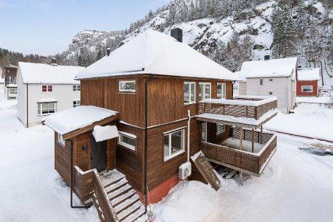 VIKA: Megler beskriver boligen i Namsos som «vesentlig oppgradert enebolig med ikke godkjent utleieenhet».  Prisantydning: 3,25 millioner.