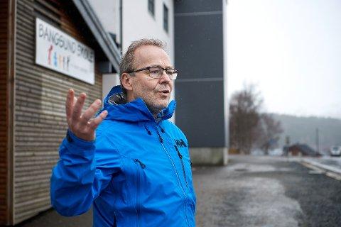 MULIG KORONASMITTE PÅ SKOLEN: Tirsdag ble det påvist et nytt smittetilfelle i Namsos kommune. Vedkommende er nærkontakt til en elev på Bangsund skole, som har lettere luftveissymptomer. Rektor Arne Bratberg forteller at skolen har fulgt et strengt smittevern-regime, og er glad for det i dag.