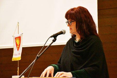 AVVENTER: Leka-ordfører Elisabeth Helmersen ønsker å sette seg inn i forutsetningene som ligger til grunn for Statsforvalterens avslag på søknad om oppdrettslokalitet ved Sklinna.