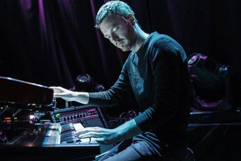 NYTT ALBUM: Erlend Aastad Viken kommer med ny soloplate 4. juni, men nå har han bestemt seg for å legge musikkarrieren på hylla. – Jeg prøver å være ærlig med meg selv. Dette kan kanskje rydde veg til andre ting, sier Viken.