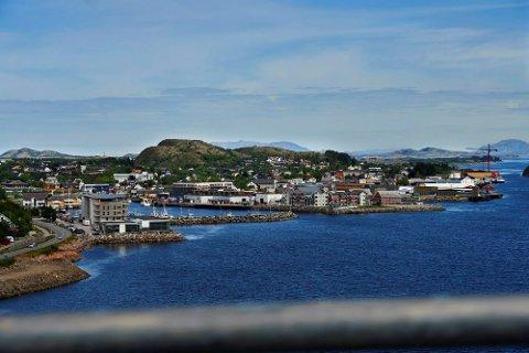 VARMEST: Nærøysund, her representert ved Rørvik, hadet det varmeste været søndag.