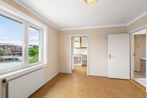 SOLGT FOR 450.000: Denne leiligheten i Namsos sentrum hadde en prisantydning på 395.000 kroner, men ble solgt for 450.000. Det er en sjeldent lav pris, forteller eiendomsmegler Hans Kjetil Andreassen i Eiendomsmegler1.