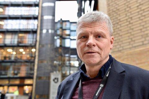 ØKOKRIM SER DEG: Avdelingsleder Sven Arild Damslora i Økokrim får stadig flere hvitvaskingsmeldinger.