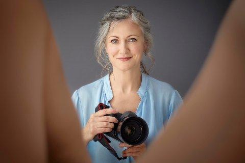 WOMANHOOD: I en ny fotobok tar Laura Dodsworth for seg hundre kvinner og hundre vulvaer - en kroppsdel svært få kvinner faktisk har sett mange av.