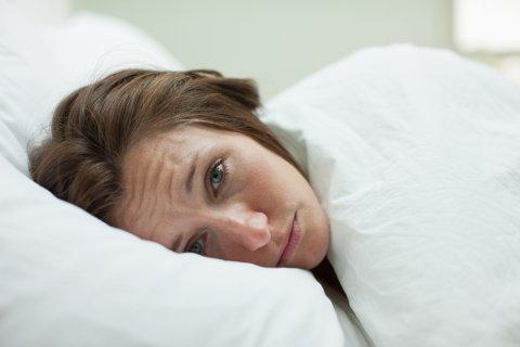 En gruppe på 1.300 mennesker i alderen 12-90 år deltok i en undersøkelse som kartla deres søvnvaner og trøtthetsnivå i løpet av dagen. Resultatene ble publisert i fagbladet Psychology Today.