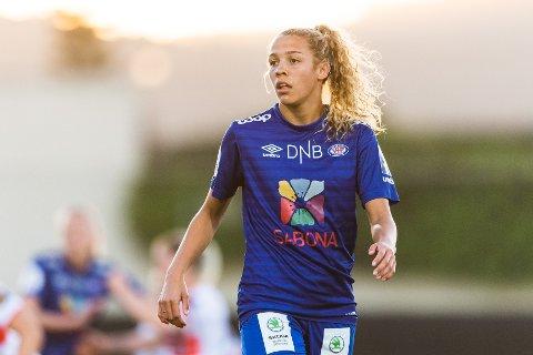KONGEBLÅ: Celin Bizet Ildhusøy stortrives i Vålerenga-trøya.