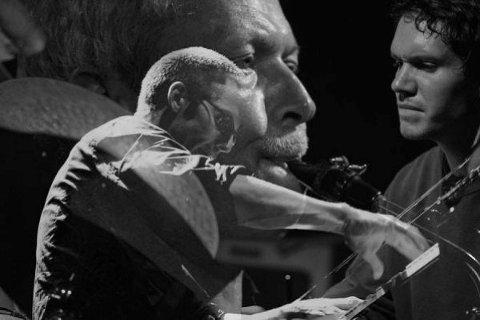 Jesper Zeuthen, Jacob Anderskov og Anders Vestergaard - representanter for tre generasjoner danske jazzmusikere.