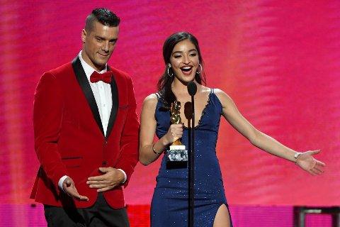 Emily Willis (t.h.) ble natt til søndag kåret til beste kvinnelige utøver under AVN Awards 2021, pornobransjens svar på Oscar-utdelingen. Her sammen med kollega Ramon Nomar under fjorårets utdeling. Årets utdelingen ble gjennomført digitalt.
