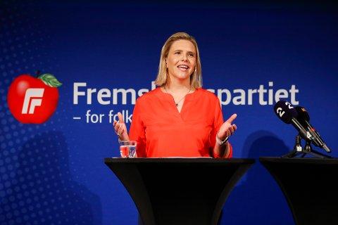Frp-leder Sylvi Listhaug under en pressekonferanse der partiet har samlet toppkandidater til valgkampåpning og kandidatkonferanse.