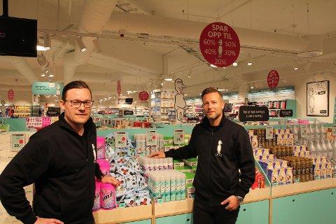 NORMAL: Michael Eeg (t.v) og Jesper Dønnestad Brandt leder Normal i Norge. Nå åpner de flere butikker i Trondheim.