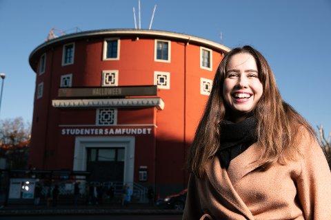 Karen Mjøl er i ekstase over pengebidragene som kan gi fortgang i planene om nybygget til Studentersamfundet.