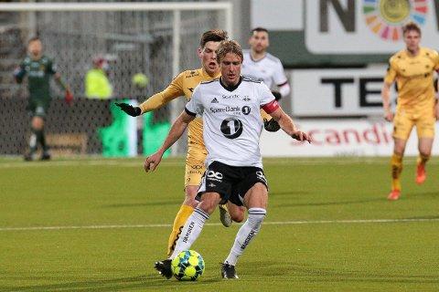 Bodø 20201129.  Eliteserien fotball 2020: Bodø/Glimt-Rosenborg. eliteseriekampen mellom Bodø/Glimt og Rosenborg på Aspmyra stadion. Foto: Mats Torbergsen / NTB