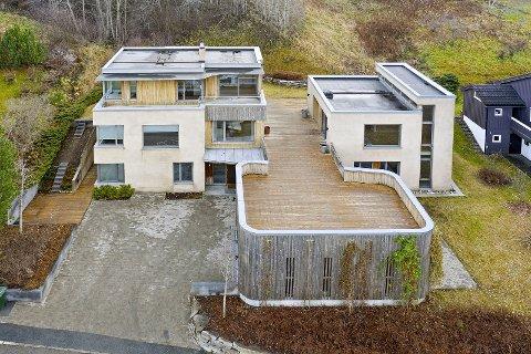 SOLGT: Huset i Lokes vei har en tomt på 1199 kvadratmeter.
