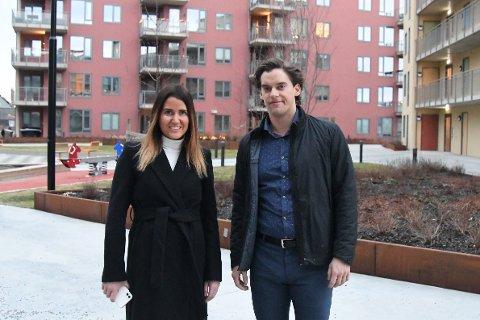 Matias Åkerlund (27) og Mia Nordgaard Rasmussen (29) har akkurat flyttet inn i den nye leiligheten på Lilleby Triangel.