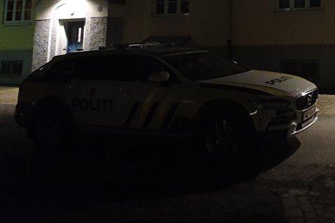 Politiet er på Lademoen natt til fredag.
