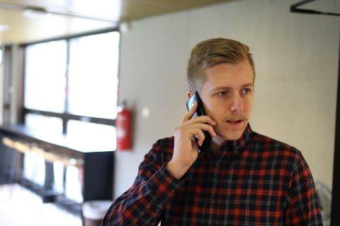 VRANGLÆRE: Magnus Berg er kritisk til meglere, butikker, frisører og annet næringsliv som bruker Jakobsli eller Ranheim på området som han mener burde hete Charlottenlund.