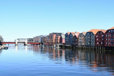 SOL: Det melder mye sol de neste dagene i Trondheim og fredag får vi en smak av sommer.