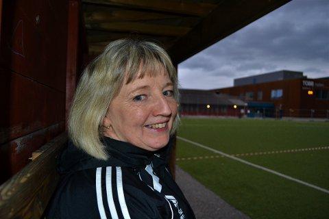 Det er vanskelig å se for seg hva Sjetne-fotballen ville vært uten danske Inge Kappel. Hun har tjenestegjort for de vinrøde i en mannsalder.