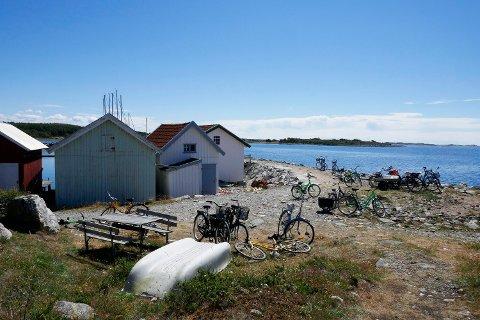 Advokatfirmaet Andersen & Bache-Wiig vil saksøke staten på vegne av nordmenn som eier hytter i Sverige, som her på Kosterøyene. Foto: Erik Johansen (NTB scanpix)