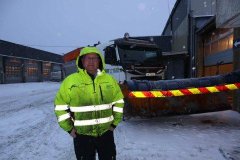 Arild Dahl brøyter snø for Trondheim bydrift.