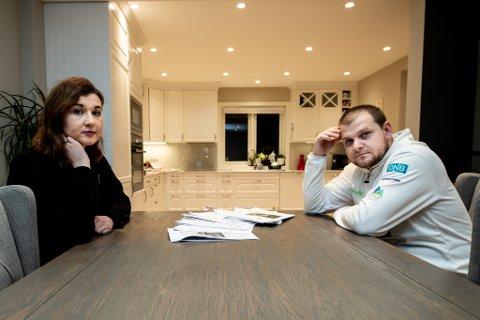 Fortvilet: I fjor vår fikk Adina Fakic Hodzic og Mirza Hodzic mistanke om at alt ikke var som det skulle i huset de hadde kjøpt. Ifølge takstrapporter viser det seg å stemme.