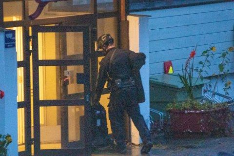 Torsdag forrige uke aksjonerte politiet mot et bygg på Byåsen i forbindelse med en kniv- og trusselhendelse kort tid før.
