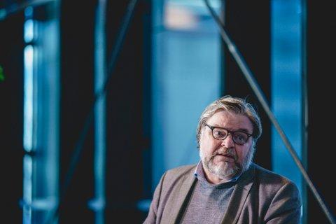 OVERVÅKER BIVIRKNINGER: Steinar Madsen er medisinsk fagdirektør i Legemiddelverket, som godkjenner koronavaksiner og følger med på meldingene om bivirkninger. Foto: Stian Lysberg Solum (NTB)