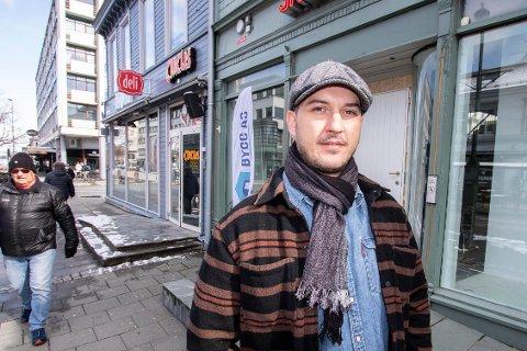 MIDT I SMØRØYET: Trondheim får snart et nytt serveringssted. Adonis Shaqiri blir daglig leder for kaféen som snart åpner i Nordre gate.