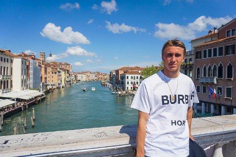 Dennis Johnsen og Venezia kan rykke opp til Serie A.
