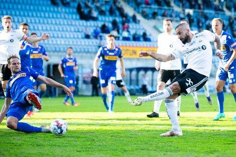 Her blir Åge Hareides innbytter matchvinner to minutter på overtid. Guillermo Molins har nå to mål på to kamper som innbytter. Han scoret også i 5-0-seieren mot Viking.