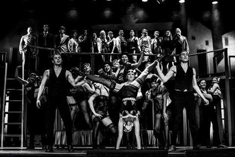 Strindamusikal settes opp årlig av Strinda videregående skole. Her fra Cabaret-forestillingen.