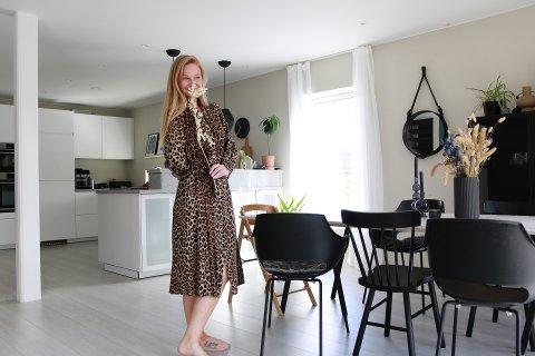 Katrine Lindgjerdet har flere hundre tusen følgere på sine interiør-kontoer på Instagram.