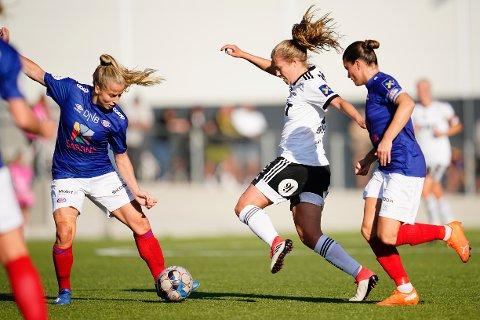Rosenborgs Cesilie Andreassen i aksjon mot Vålerenga i fjor sommer. Foto: Ole Martin Wold / NTB