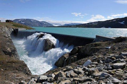 VANNMANGEL: Bidrar gir rekordhøye strømpriser de seneste månedene. Foto: Bjørn Jørgensen (NTB Scanpix)