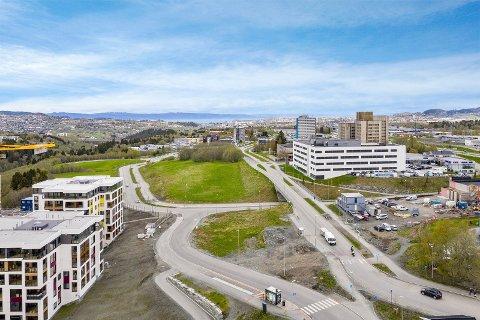 Selger, Trondheim kommune, aksepterte et bud på 10,2 millioner kroner for Teknotomta på Tiller. Salget skal nå behandles politisk i formannskapet.