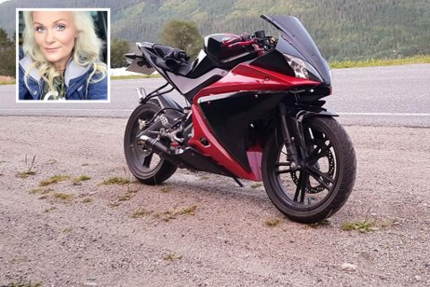Kristin Jakobsen ber om hjelp til å finne motorsykkelen til sønnen som forsvant fra deres oppkjørsel i løpet av natt til fredag.