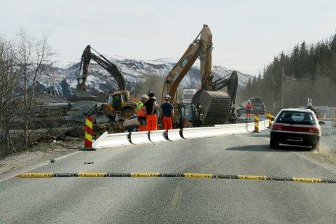 Selv dagens norske veinormaler for nye veier er ikke tilpasset trafikkforholdene i Nord-Norge, med stor andel tungtransport om vinteren og stor andel camping- og bobiler om sommeren, skriver Tor Kildal.
