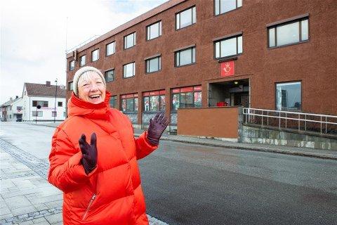 KUNSTBY: Det hadde vært kjempeflott for Bodø 2024 å få en egen avdeling for visuell kunst, sier fylkesråd Kirsti Saxi i Nordland. Her foran bygget fylkeskommunen vil ha til nytt Nordnorsk kunstmuseum i Bodø.