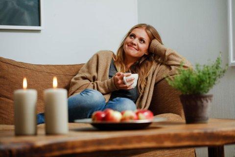 HVILE: Line Gåsland planlegger sin julekalender, som vil gi en styrketreningsøvelse hver dag frem mot jul.