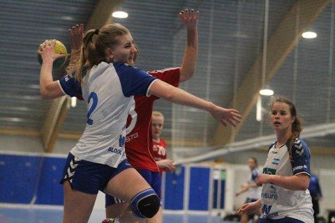 FRISK PÅ KANTEN: Lena Marie Aarnes scoret tre mål fra høyrekanten mot Byåsen.