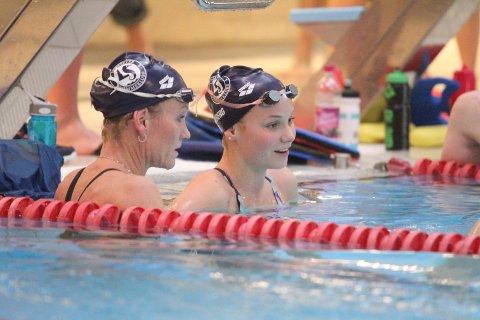 MED MAMMA: Marte (høyre) og mamma Merete Løvberg sammen på trening på Tøyenbadet.