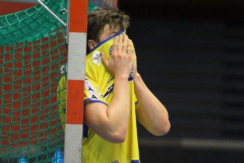 SKUFFET: Danske Rasmus Rokkjær har grunn til å være skuffea og forbanna.