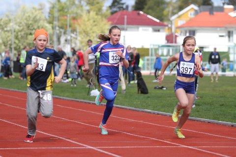GA ALT: Ellen Wekre Dingsør (midten) fra Lambertseter IF ga alt på 60 meter, men var ikke helt fornøyd med tiden.