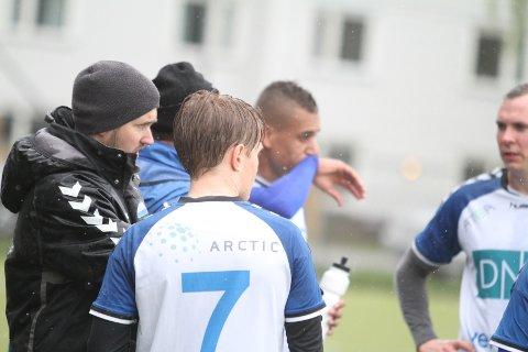 IKKE FORNØYD: Trener Per Inge Jacobsen var selvsagt ikke fornøyd med null poeng hjemme mot Jevnaker.