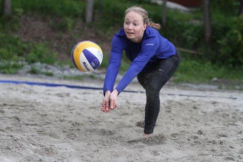 SATSER: Live Lunde Fossdal fra Nordstrand satser på volleyball både innendørs og i beach.