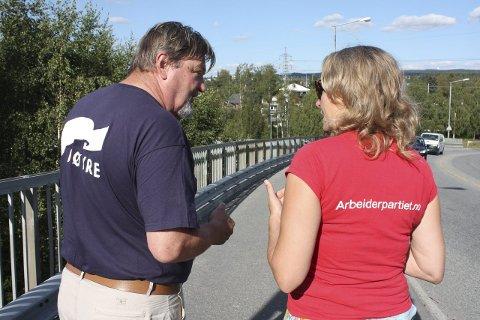 VALGPRAT: Bu-lederne på Nordstrand og Østensjø hadde mye å snakke om da de møttes i Lambertseterveien på broen over E6. Foto: Aina Moberg