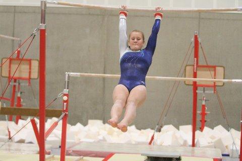 GLEDER SEG: Elida Hjellset gleder seg til å begynne å trene i den nye turnhallen.