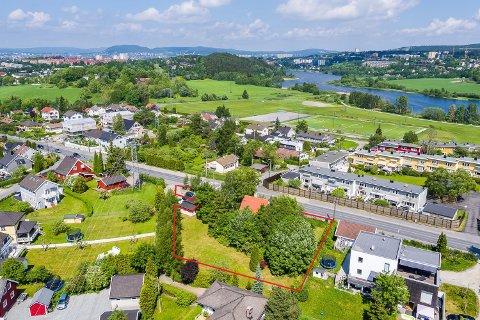 ENEBAKKVEIEN 249: Her på Abildsø ligger den store og flotte eiendommen. Foto: Zovenfra