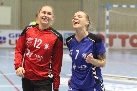 DEILIG: Keeper Marie Sundfør Tømmerbakke (venstre) og June Bøttger koser seg med to poeng mot Byåsen.